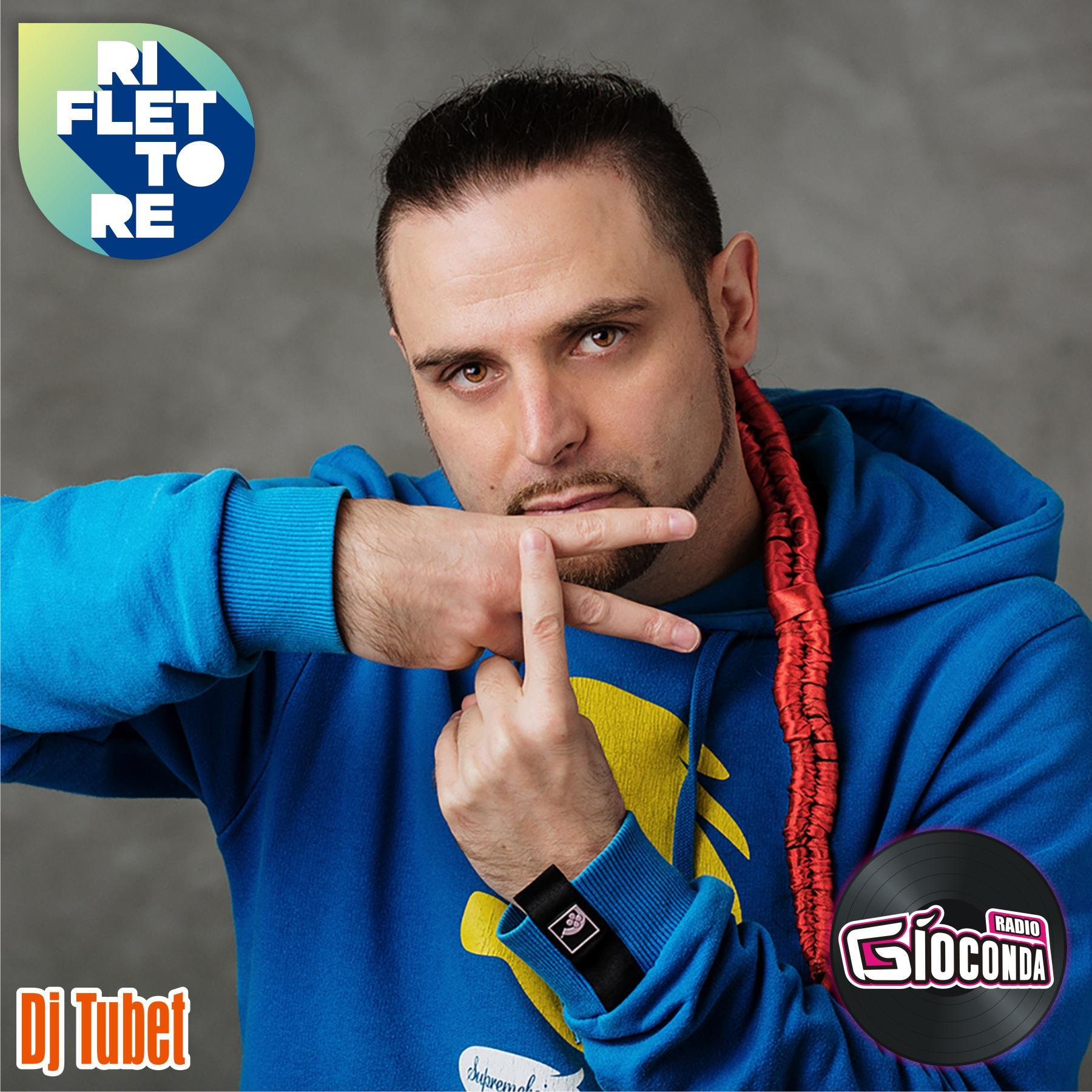 Riflettore con il rapper e musicista Dj Tubet