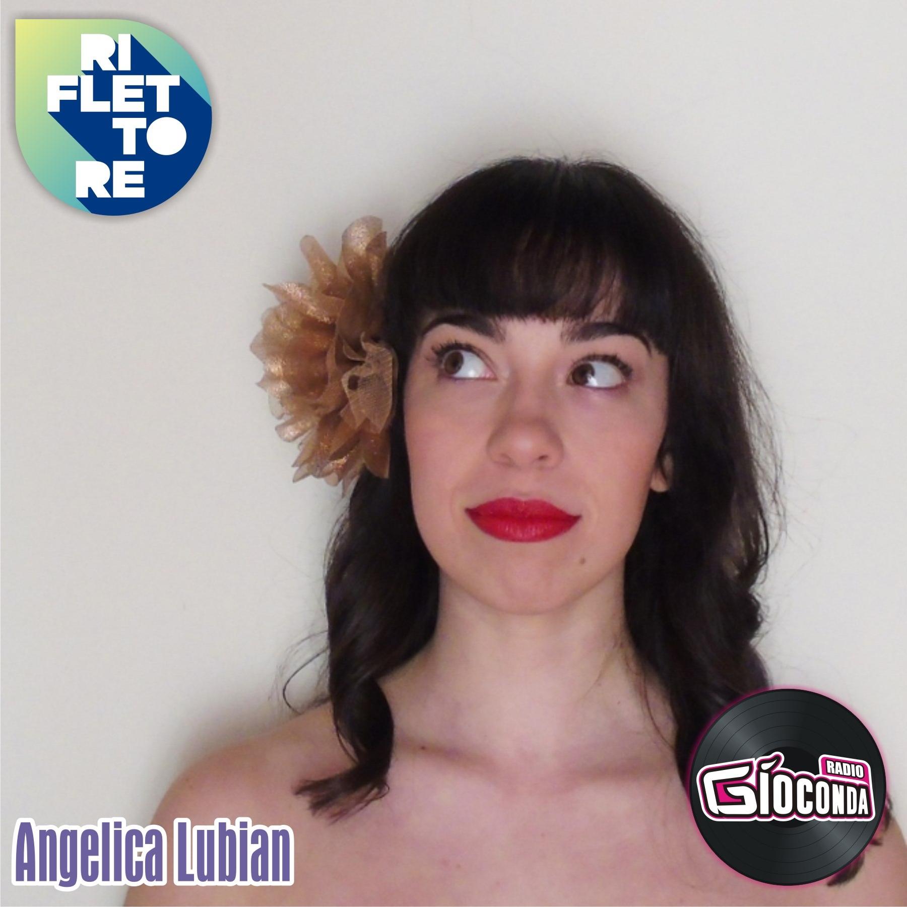 Riflettore con la cantautrice, musicista e docente di canto Angelica Lubian